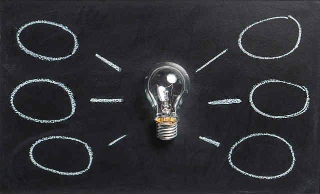 電球と6つのヒント
