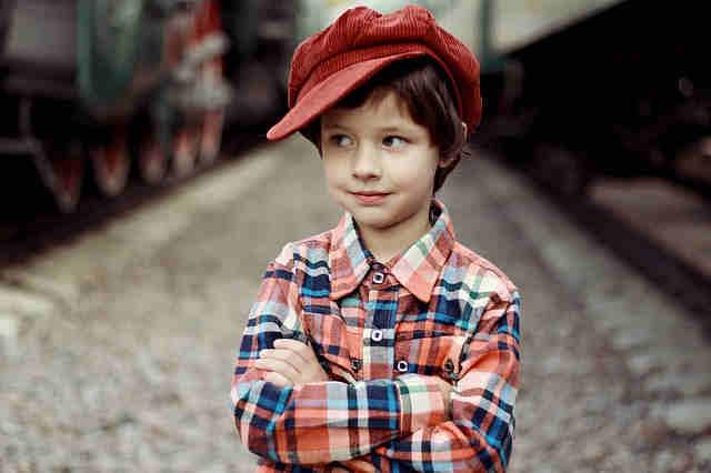 ベレー帽をかぶった男の子