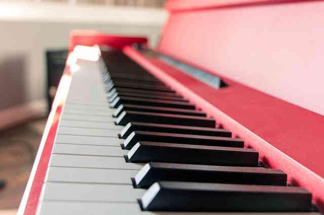 ピンクのピアノ