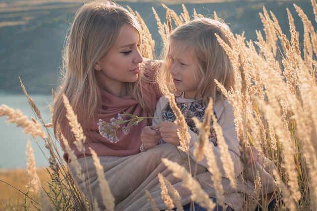 母と女の子